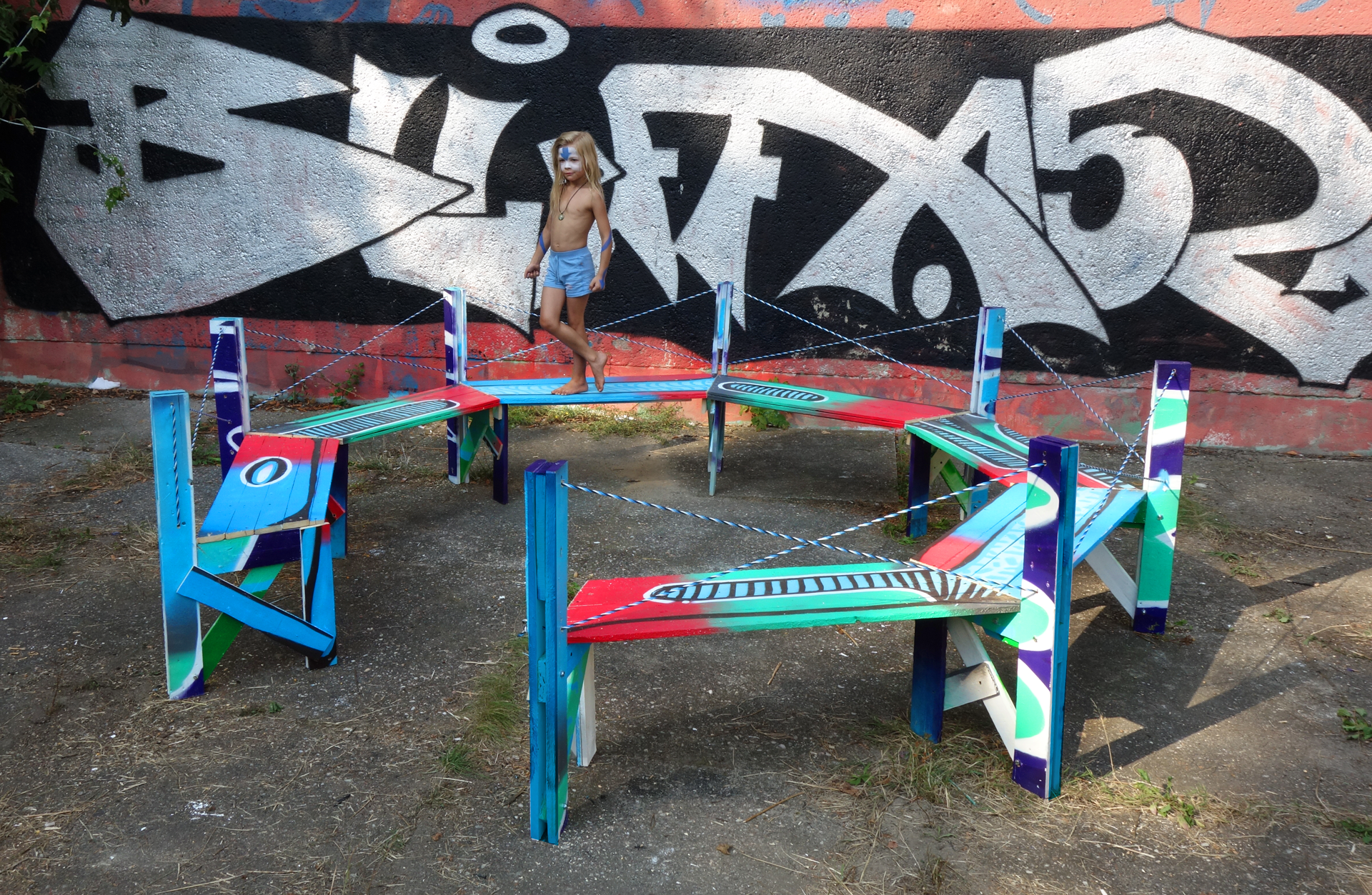 KAMI BLUSCH GHETTO BENCH